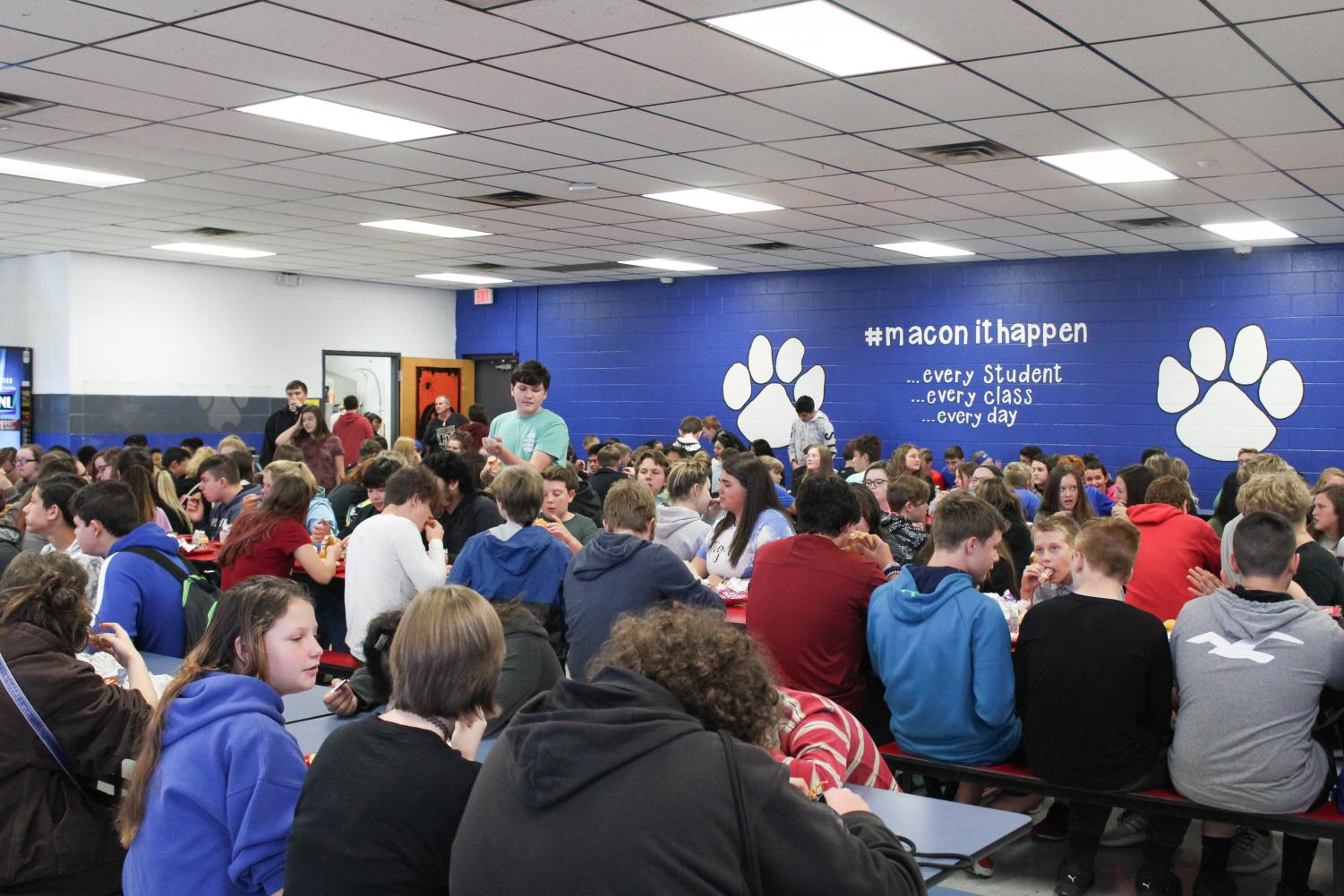 Overcrowding and Rushed Lunches Causing Issues for Students