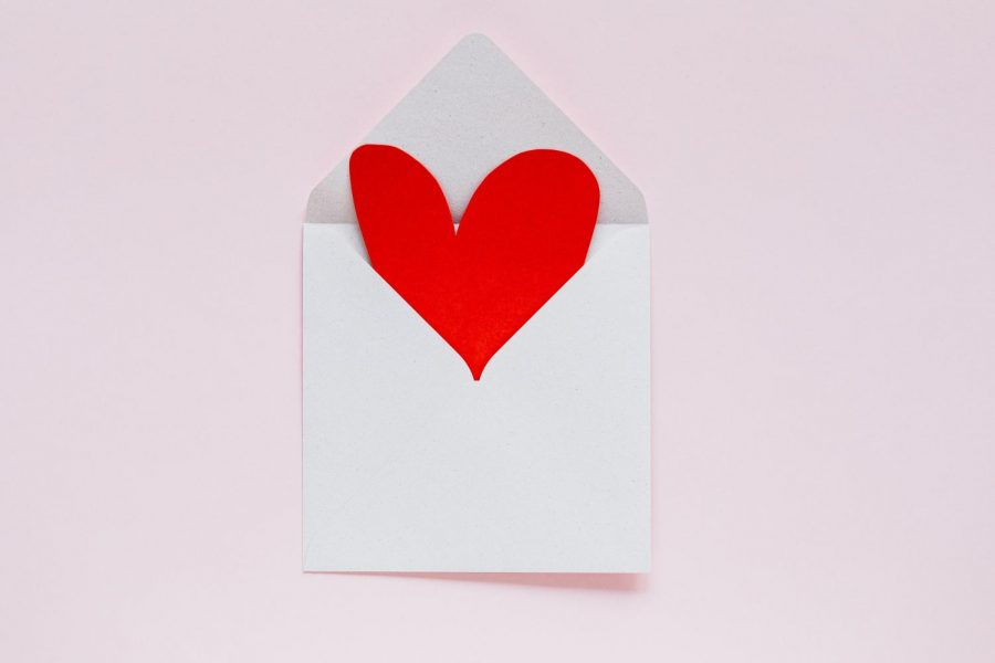 Top+12+Valentine%27s+Day+Gifts+to+Buy+for+Someone+You+Love